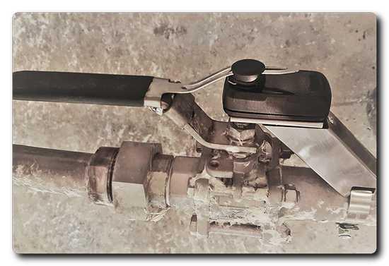 Haltian Angle sensor mounted on a process control valve