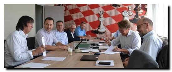 Signing the contract at the Sappi Lanaken Mill. From left Werner Reiter, Bernhard Zottler, Günther Engelen, Wim Devens, Eric Raedts (all from Sappi), Marko Oinonen (Valmet) and Robert Mohr (Valmet).