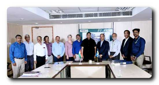 Managing Director and the mill management team of TNPL together with Valmet's sales management team
